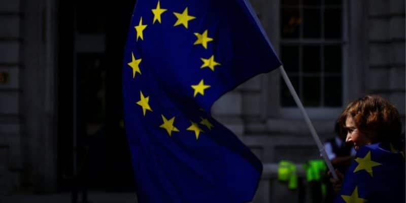 Общество: Евросоюз вновь хочет отложить Brexit— экс-премьер Великобритании