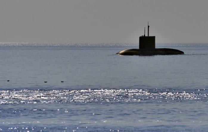 Общество: Британия испугалась российских субмарин: Невидимые подлодки России навели ужас на ВМС Великобритании