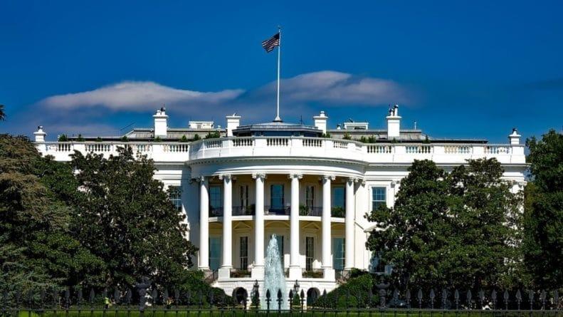 Общество: США ввели новые санкции против РФ из-за «дела Скрипалей»