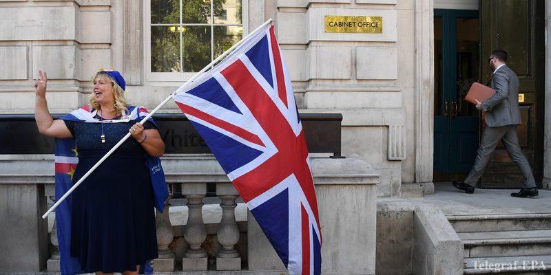 """Общество: Британская оппозиция попытается помешать реализации """"жесткого"""" Brexit"""