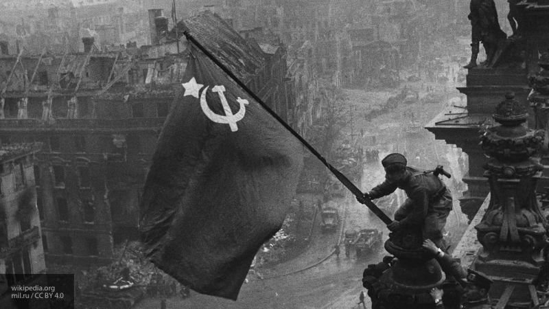 Депутат Резник разозлил петербургских ветеранов, призвав отказаться от Знамени Победы