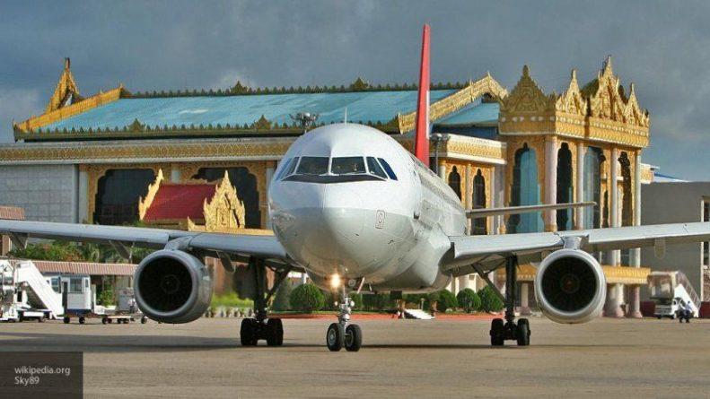 Общество: Китаянка открыла аварийный выход самолета, чтобы проветрить салон