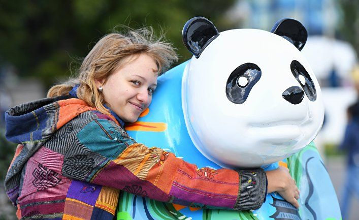 Общество: Российская девушка о Китае: счастье отдельного человека составляет счастье целой нации (Жэньминь жибао, Китай)