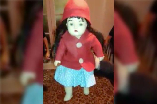 """Общество: Охотники за призраками записали угрозы """"проклятой"""" 100-летней куклы"""