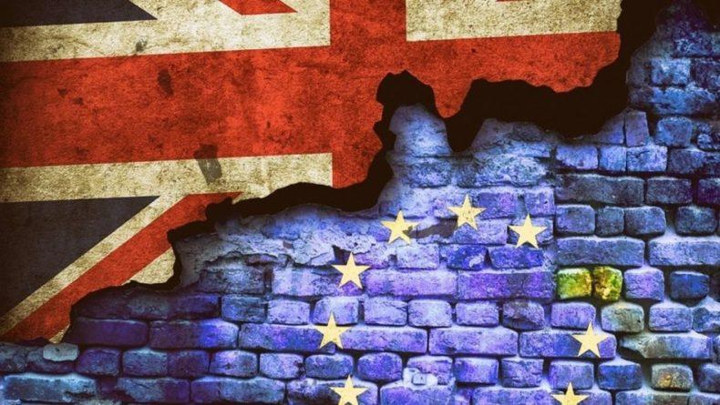 Общество: Лондон начал операцию Yellowhammer по жесткому Brexit