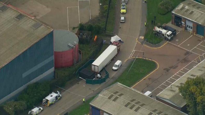 Общество: В британском Эссексе нашли грузовик с 39 трупами, ведется следствие