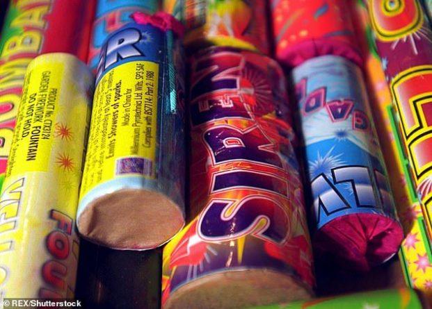 Общество: Sainsbury`s запретил продажу фейерверков во всех магазинах