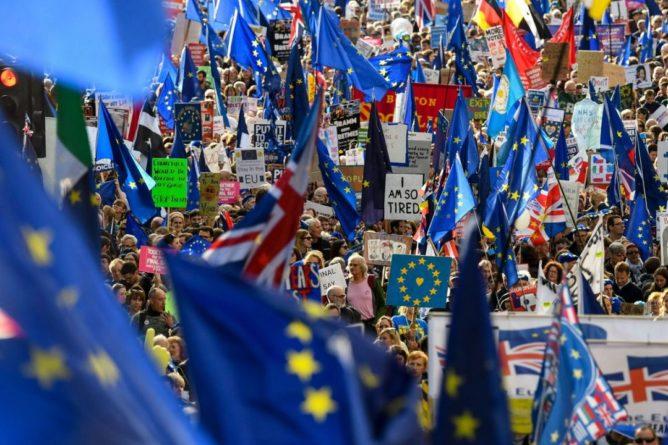 Общество: ЕС согласился на отсрочку по Brexit до 31 января 2020 года