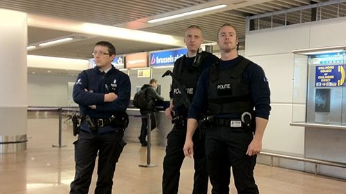 Общество: В Бельгии полиция обнаружила в фуре-рефрижераторе 12 нелегалов - Cursorinfo: главные новости Израиля