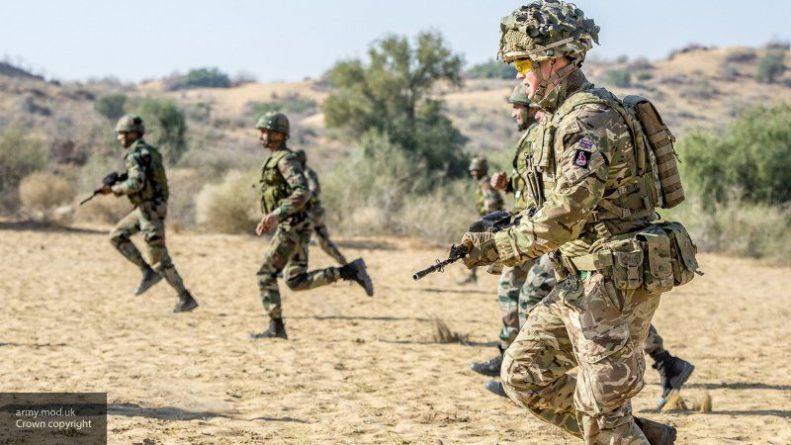 """Общество: Британская армия уничтожила """"российские"""" танки в ходе учений"""
