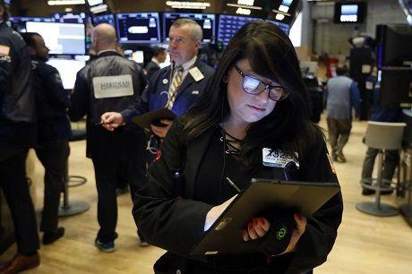 Associated Press: Мировые фондовые рынки выросли на фоне возможного перемирия между США и Китаем