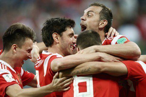 Общество: Сборная России по футболу узнала с кем будет биться на Евро-2020