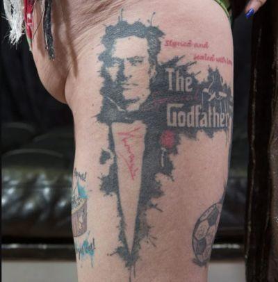 62-летняя фанатка Жозе Моуриньо сделала 38 татуировок в честь своего кумира