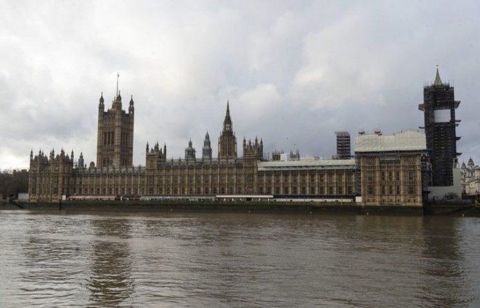 Общество: Палата общин приняла билль о Brexit