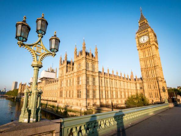 Общество: Financial Times: Лондон планирует создать независимый от ЕС санкционный режим против лиц, нарушающих права человека