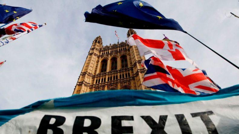 Общество: Bloomberg: Brexit обошелся Великобритании в $170 млрд