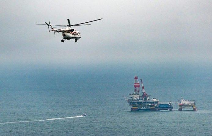 Общество: Цены на нефть снижаются на фоне заявлений США о пошлинах для Китая
