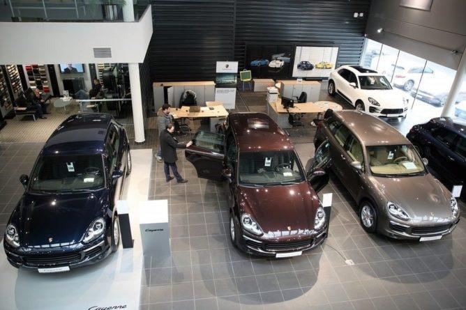 Общество: В России упали продажи новых автомобилей