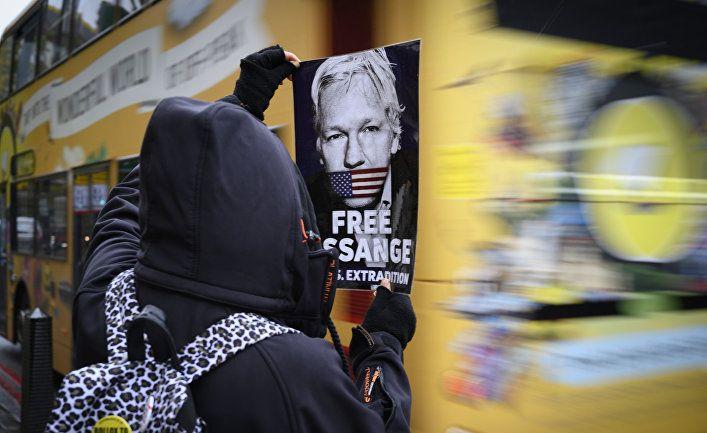 Общество: Le Monde (Франция): Джулиан Ассанж погибает в тюрьме за разоблачение военных преступлений
