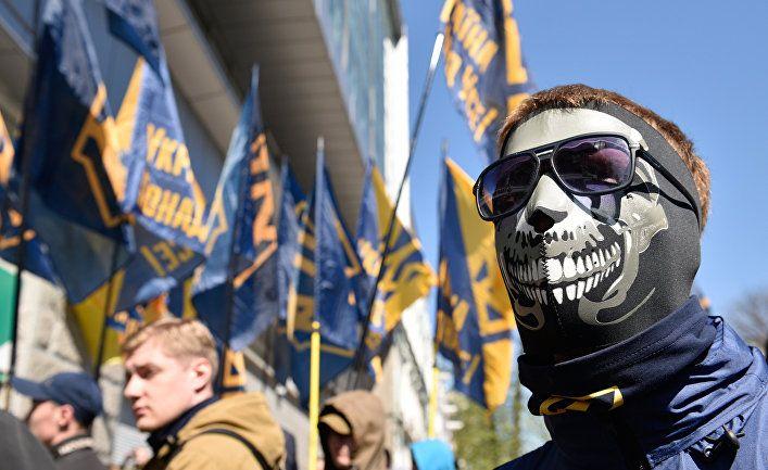Общество: Страна (Украина): зуб на трезубец. Почему Лондон внес украинский герб в список символики экстремистов