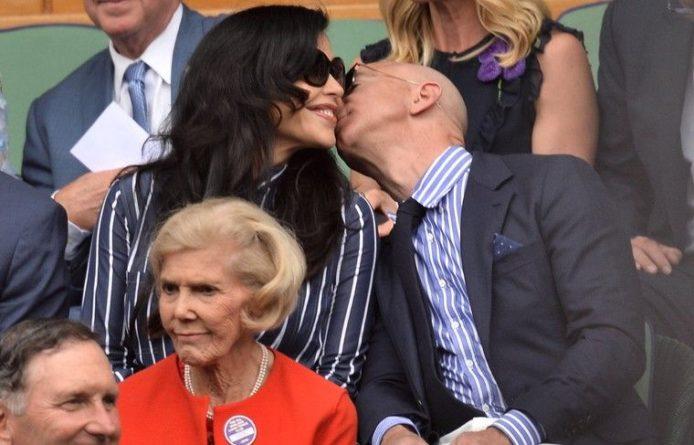 Общество: American Media назвала виновника утечки переписки главы Amazon с любовницей