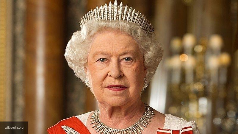 Daily Mail: после скандала с принцем Гарри и Маркл у Елизаветы II ухудшилось здоровье