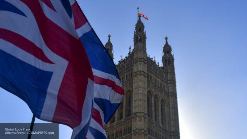 Общество: Приглашение Джонсона на парад 75-летия Победы в Москву вызвало жесткие дискуссии в Лондоне