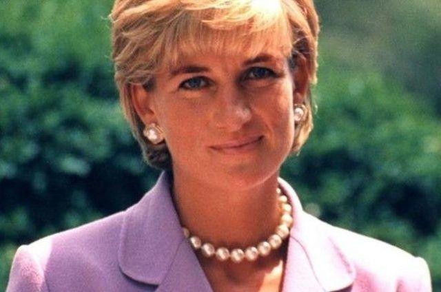 Общество: Дворецкий принцессы Дианы выложил в Сеть ее письмо принцам Уильяму и Гарри