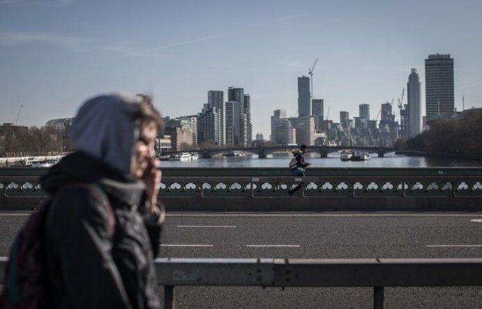 Общество: В Великобритании резко увеличилось число смертей из-за коронавируса