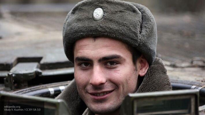 Общество: Полковник Хатылев назвал шапку-ушанку стратегически важным атрибутом военных