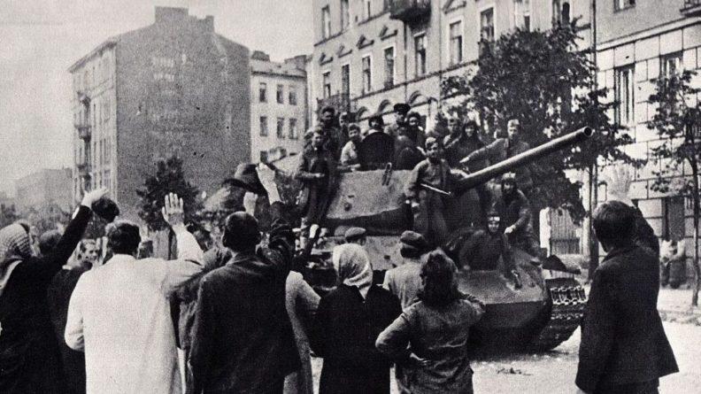 Общество: Историк назвал откровенной ложью заявления Запада о роли СССР во Второй мировой войне