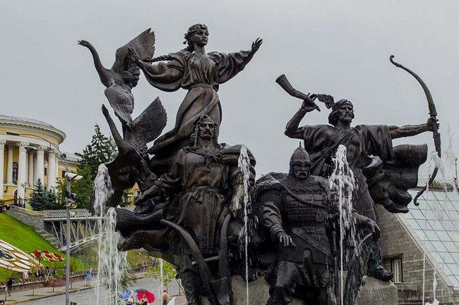 Общество: «Украина мечтает о третьей мировой войне» против России - мнение