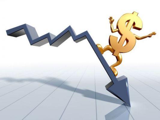 Общество: Доллар упал до трехмесячного минимума: Итоги биржевой торговли 10 июня