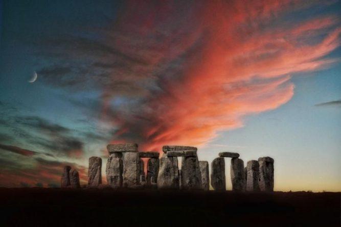 Общество: Ученые обнаружили рядом со Стоунхенджем памятник эпохи неолита