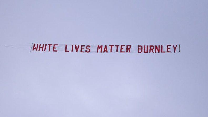 Общество: Фаната «Бёрнли», запустившего самолёт с баннером «Жизни белых важны», уволили с работы