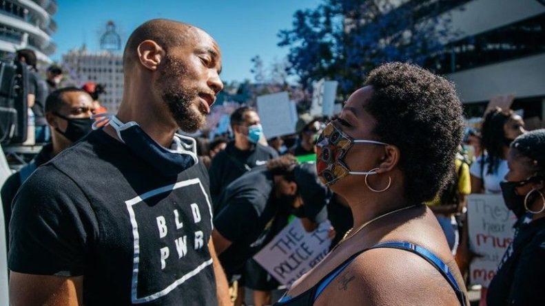 Общество: «Прославление полицейского беспредела»: темнокожие артисты обвинили Голливуд в поддержке белой расы