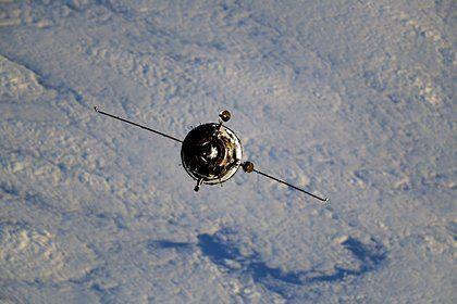 Общество: Названа дата первого в истории выхода туриста в открытый космос