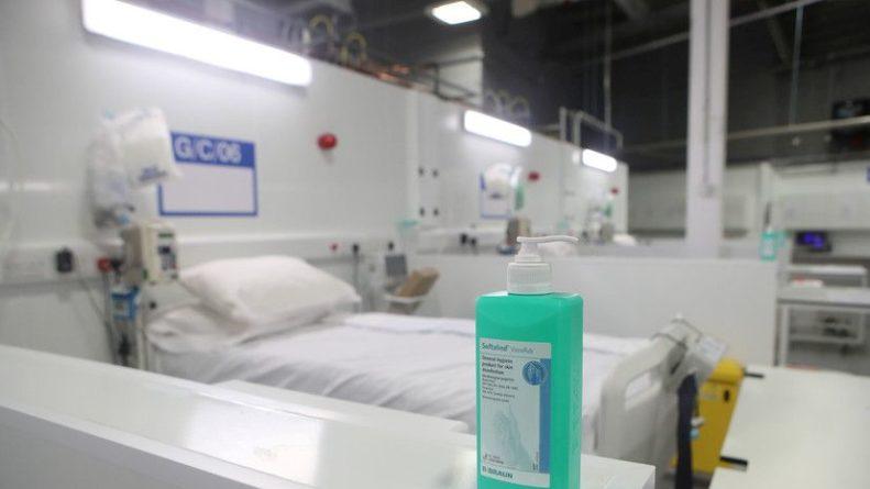 Общество: В Британии за сутки умерли 36 человек с коронавирусом