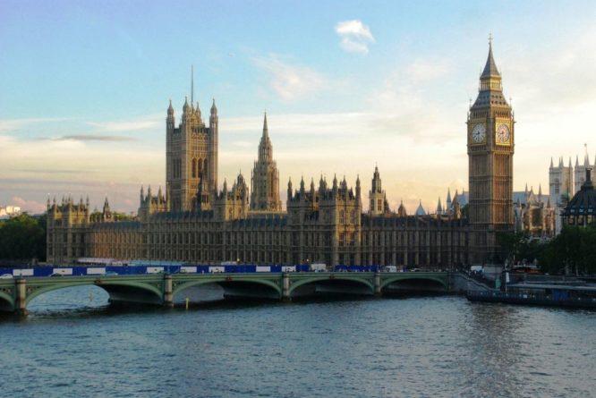 Общество: Жители Великобритании уже скоро смогут посетить Турцию и около 50 других стран