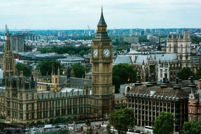 Общество: Британцы продолжают терять работу из-за пандемии коронавируса
