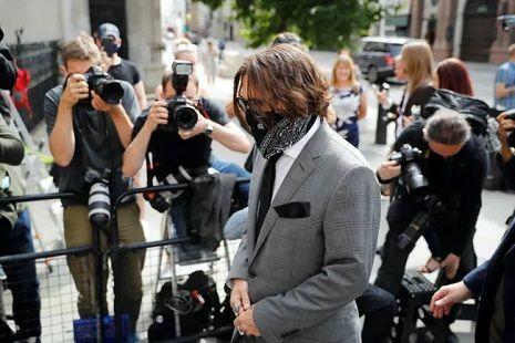 Общество: Дело о клевете и измене: Высокий суд Лондона рассматривает иск Джонни Деппа против британского таблоида Sun