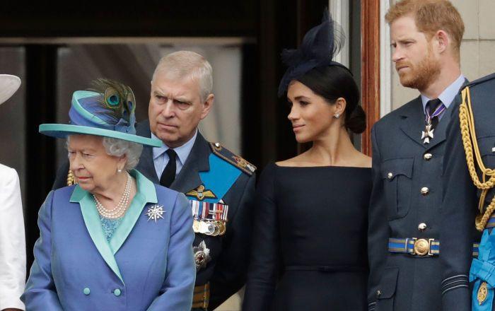"""Общество: В Британии откровенно рассказали о """"вражде"""" между Меган Маркл и Кейт Миддлтон"""