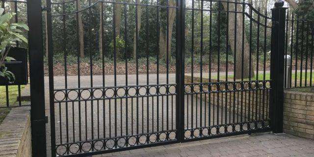 Реставрация металлических ворот.